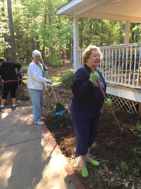 Garden Club members at Chamber House